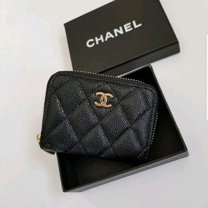 OFFERS WELCOME Chanel Zippy pouch